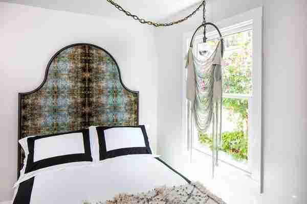 Blackpop bedhead Duprez velvet bed headboard Roomy Home blog post
